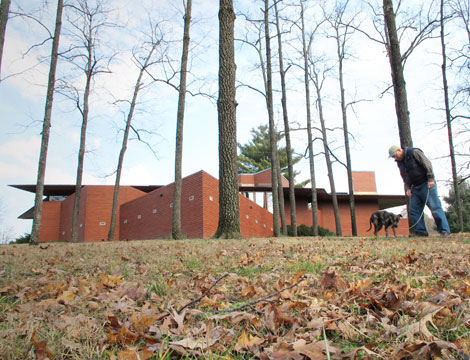 the frank lloyd wright house in ebsworth park st louis county. Black Bedroom Furniture Sets. Home Design Ideas