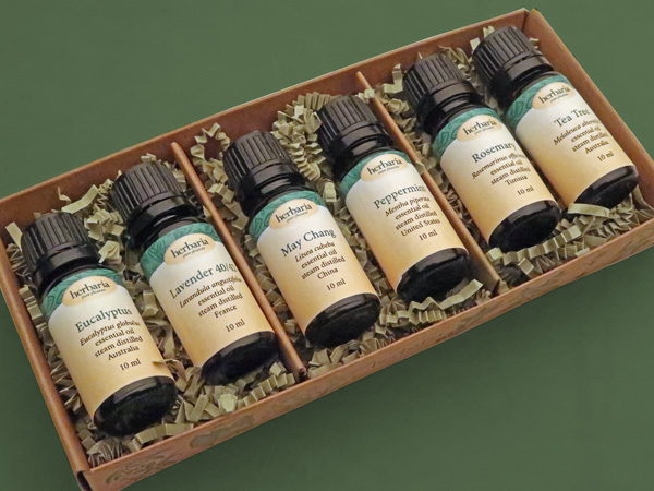 Essential Oil Starter Kit in package
